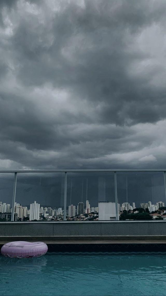 Maurício Fernandes (@fakemaufernandes) Cover Image