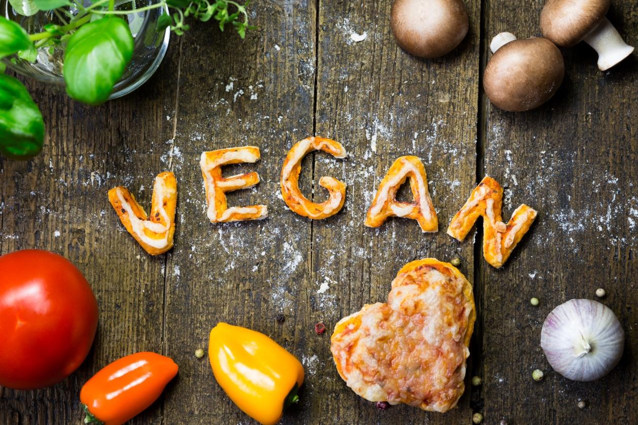 The Struggling Vegan (@thestrugglingvegan) Cover Image
