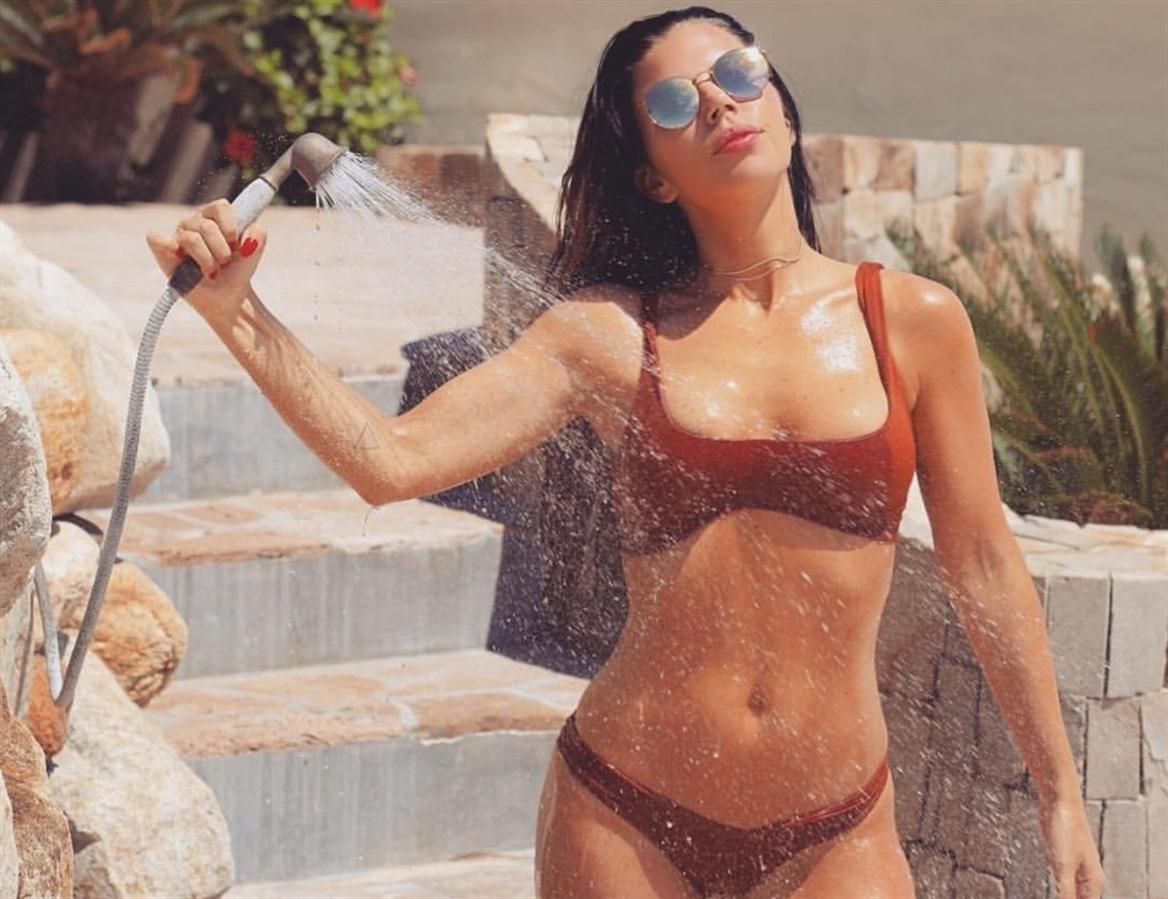 Holly Basra (@holly_basra) Cover Image