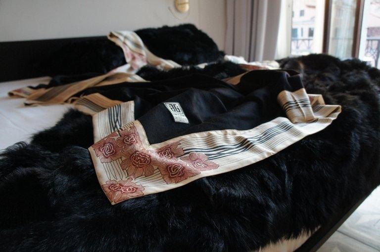 I Love Luxury Bedding (@cashmerelove) Cover Image