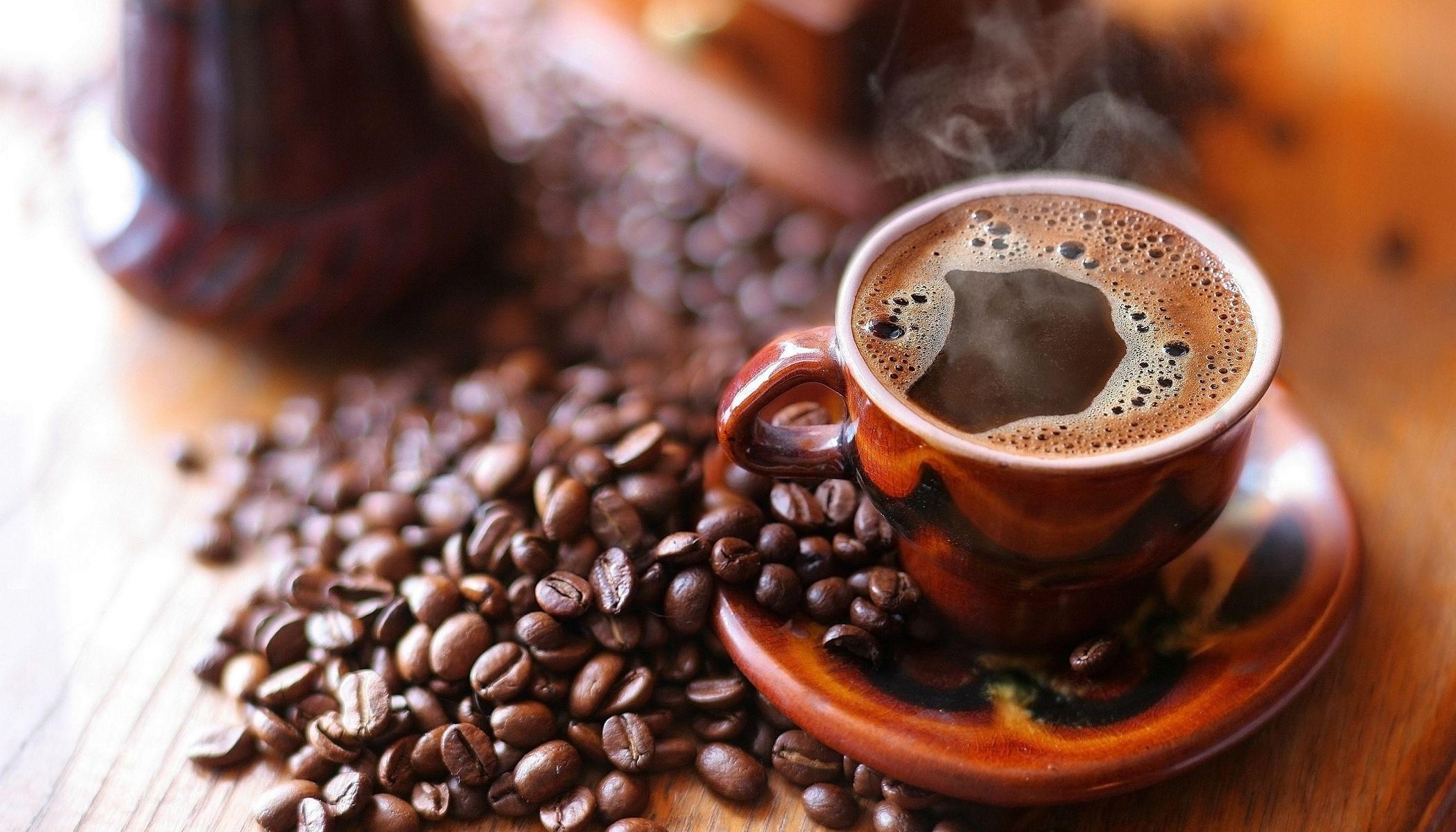 Coffeeniacs (@coffeeniacs) Cover Image