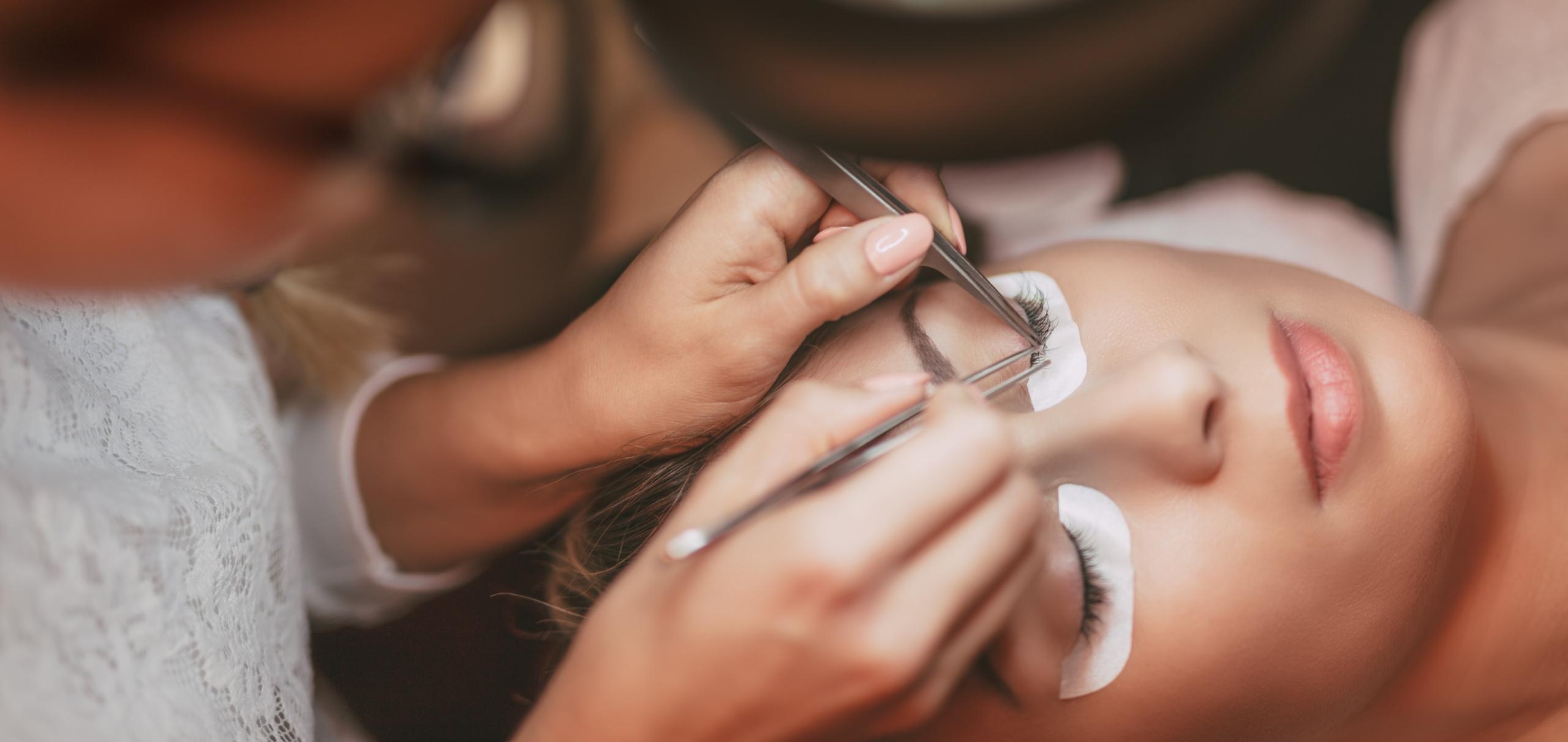 CeeCees Beauty and Salon (@ceeceessalon) Cover Image