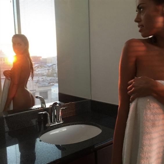 Kelsey Grenada (@kelsey_grenada) Cover Image