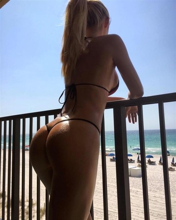 Larissa Cyprus (@larissa_cyprus) Cover Image