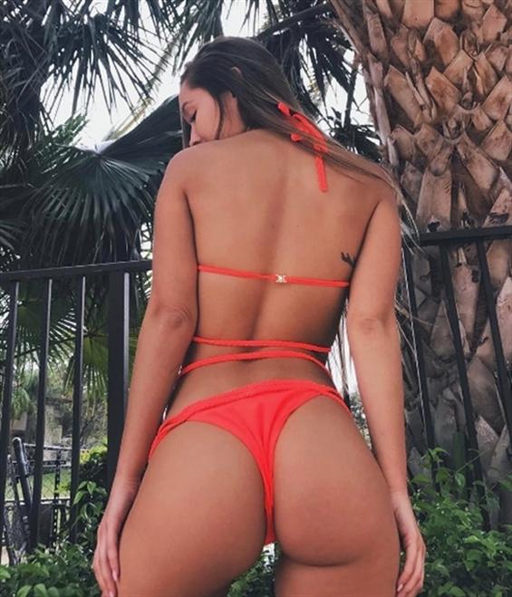 Meredith Montenegro (@meredith_montenegro) Cover Image