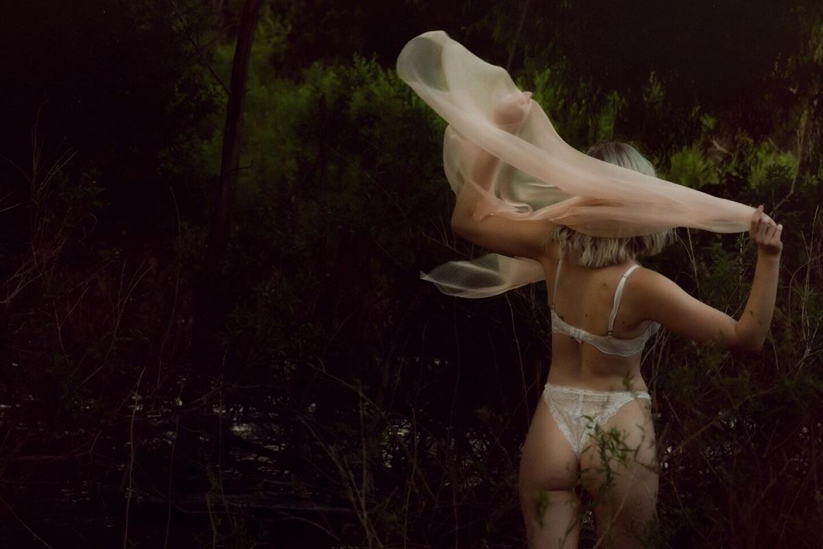 Brittany Noel Bello (@brittanynoel) Cover Image