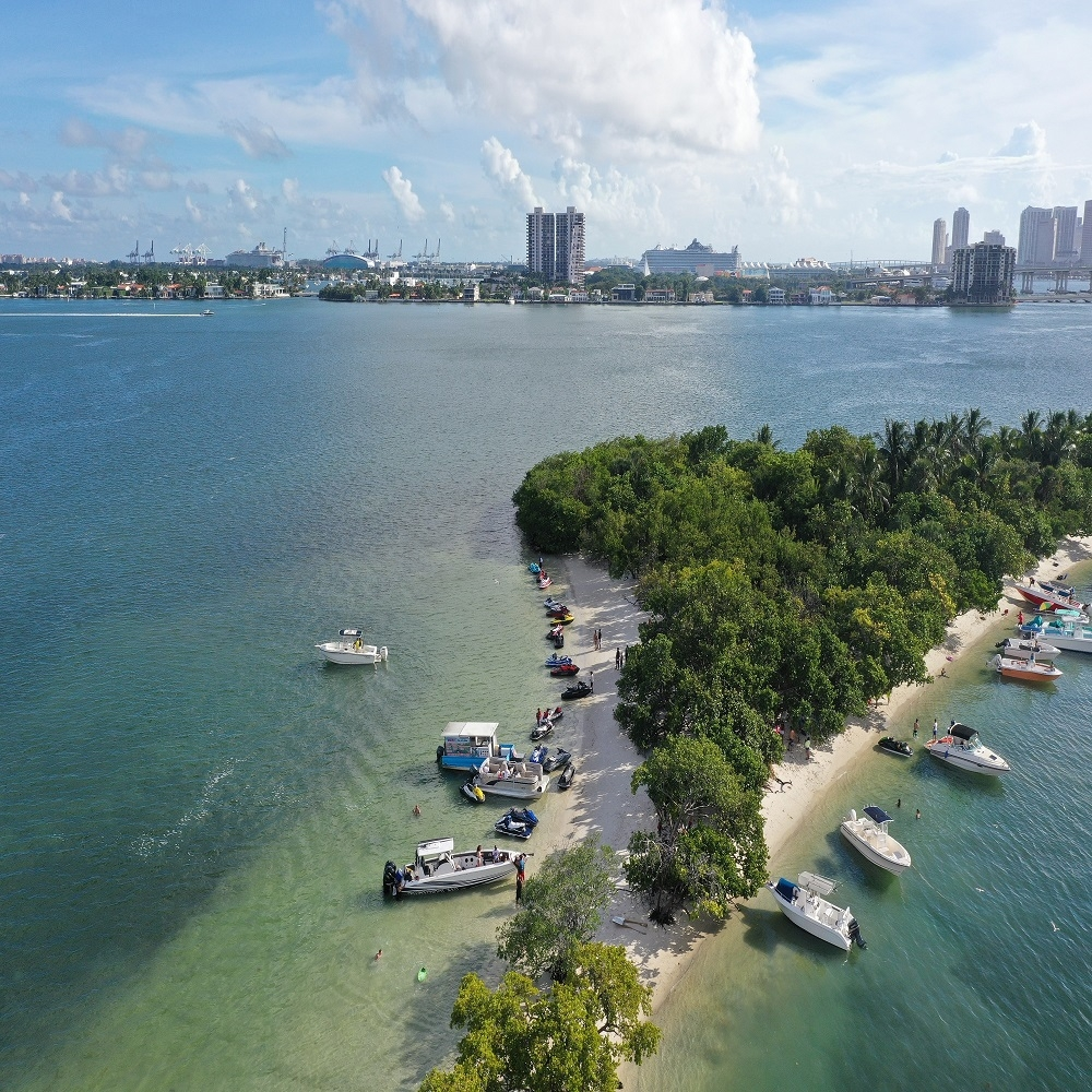 Larry's Discount Yacht Rental Miami (@discountyachtrent01) Cover Image