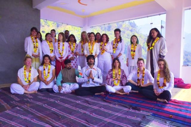 Hathayogaschool (@hathayogacenter) Cover Image