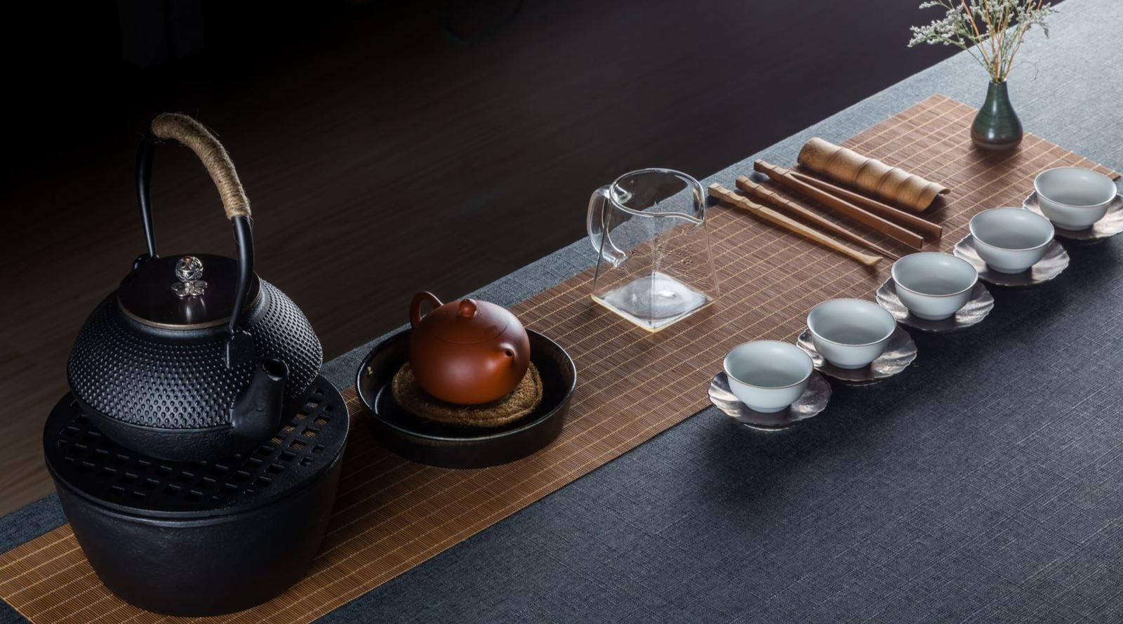 Topic Tea (@topictea) Cover Image