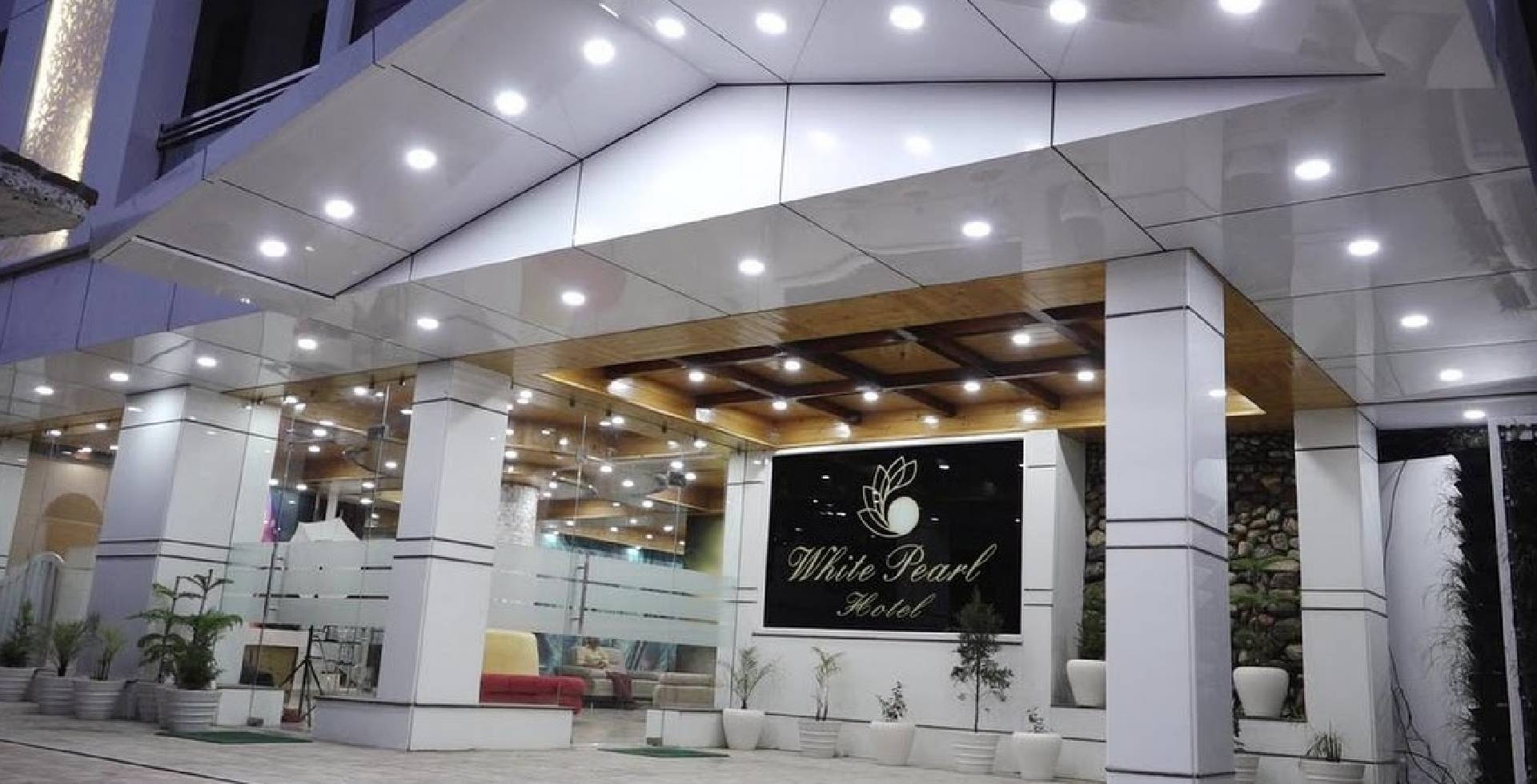 White Pearl Hotel (@whitepearlhotel) Cover Image