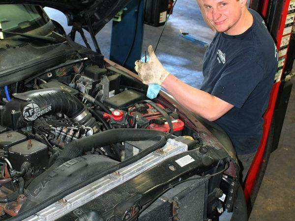 Everest Auto Repair (@everestautorepair) Cover Image