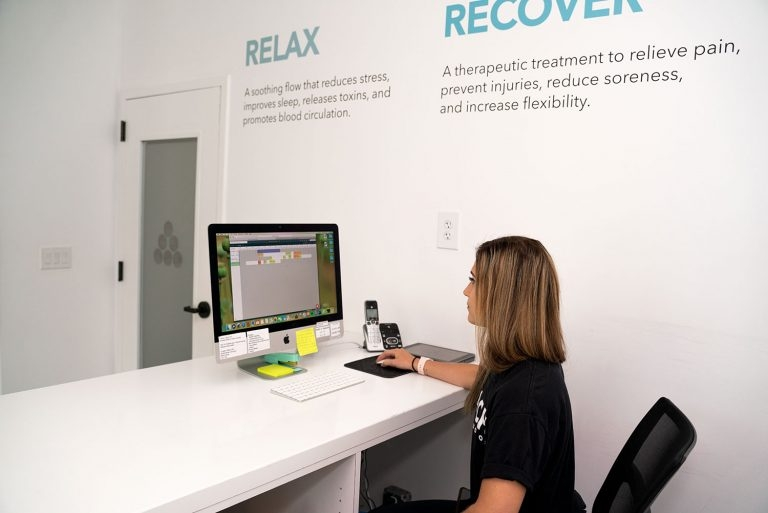 Reach Stretch & Recovery (@reachstretchrecovery) Cover Image