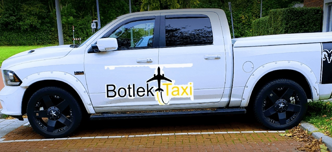 Taxi Rotterdam (@taxi-rotterdam) Cover Image