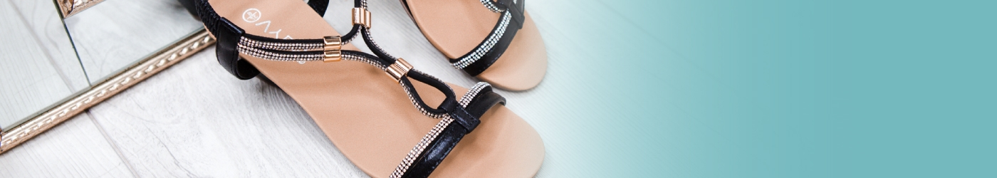 Carolyn McCarthy (@lifestyleshoes) Cover Image