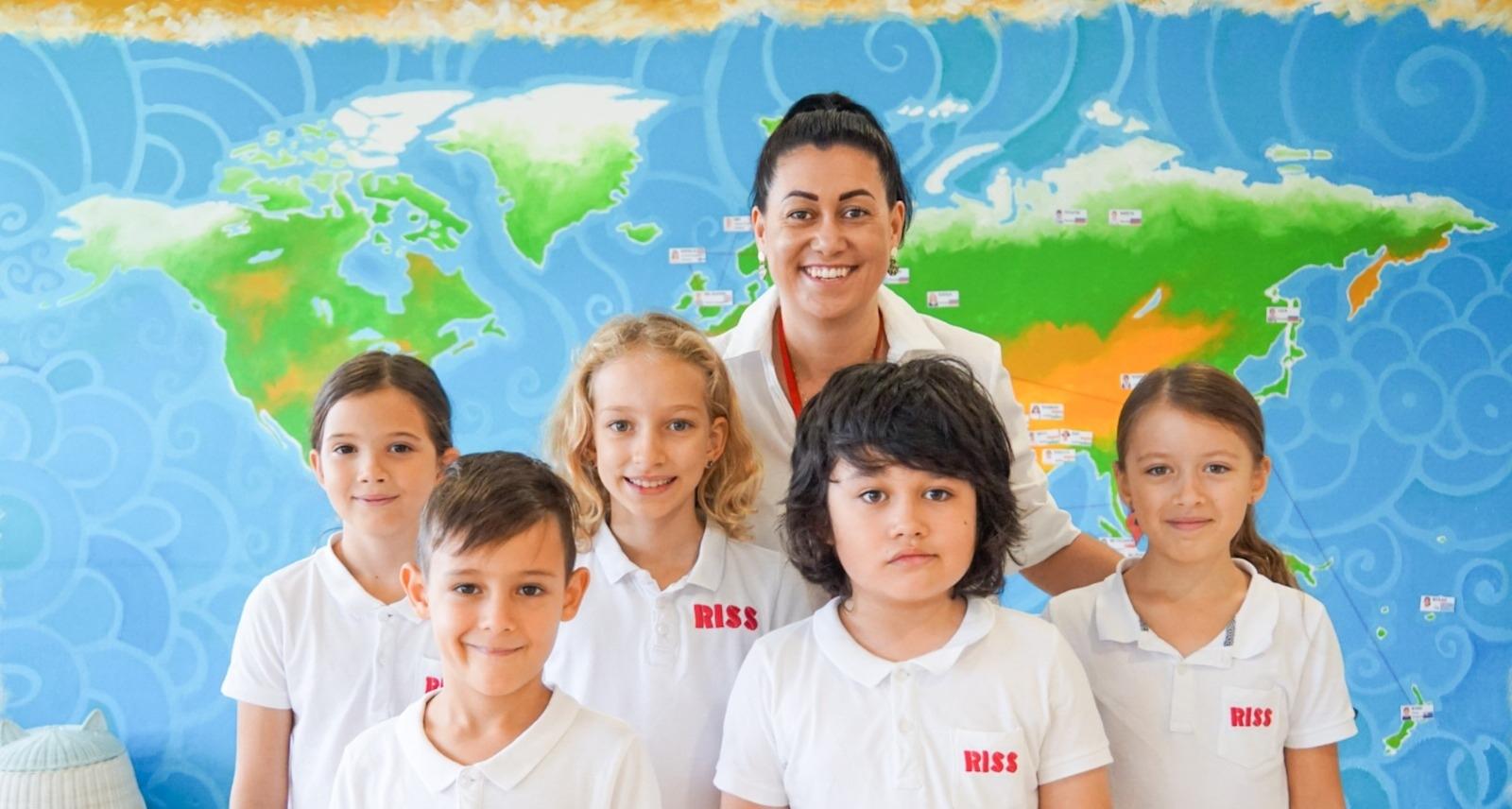 Razum International School (@razumschool12) Cover Image