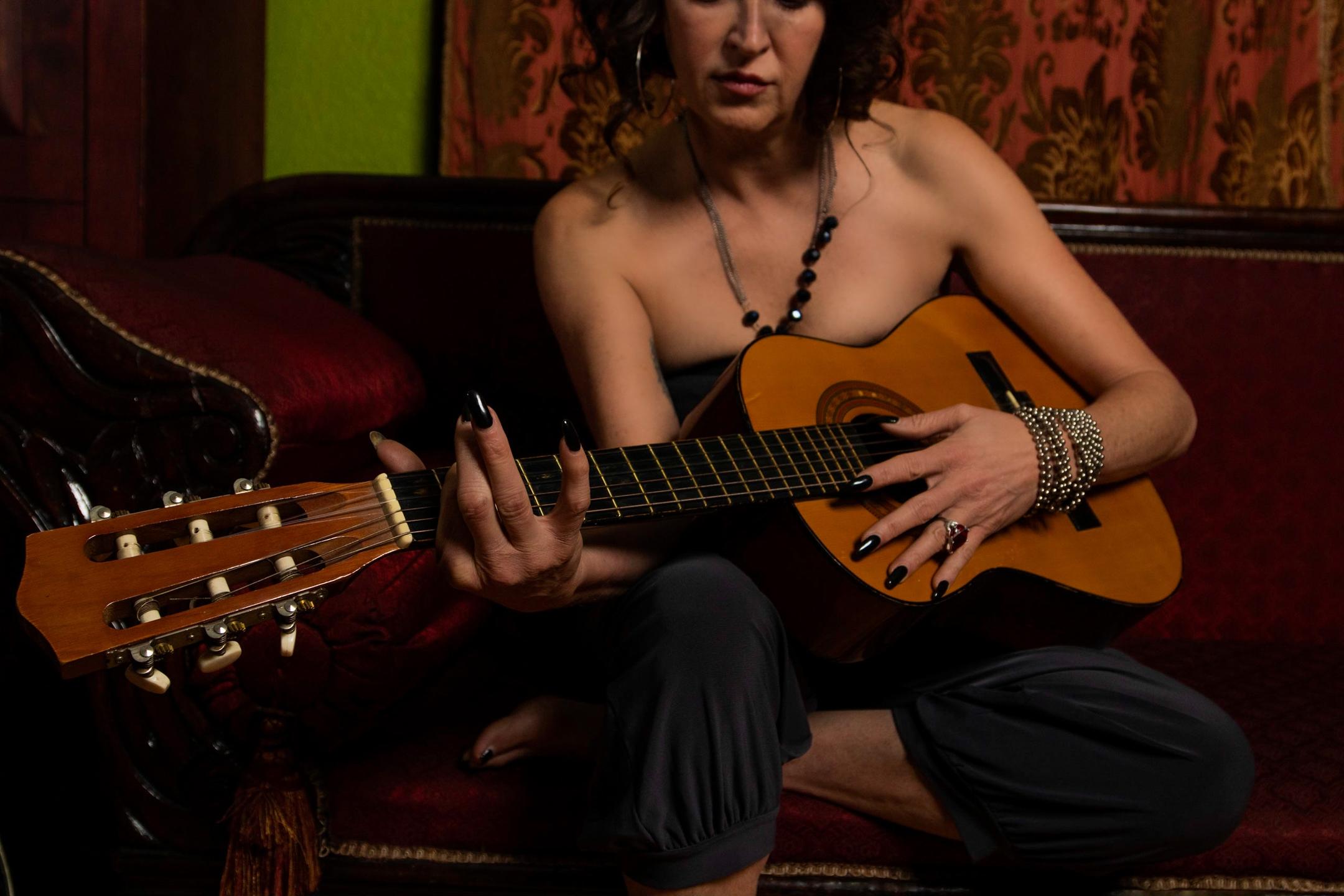 Jennifer Wilde (@jenwilde) Cover Image